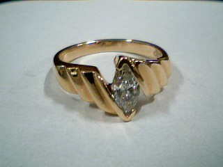 Lady's Diamond Engagement Ring .50 CT. 14K Yellow Gold 4g Size:6.8