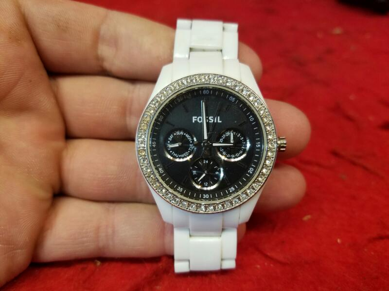 "Fossil Women's 6"" Watch Crystal Bezel Model No. ES2669"