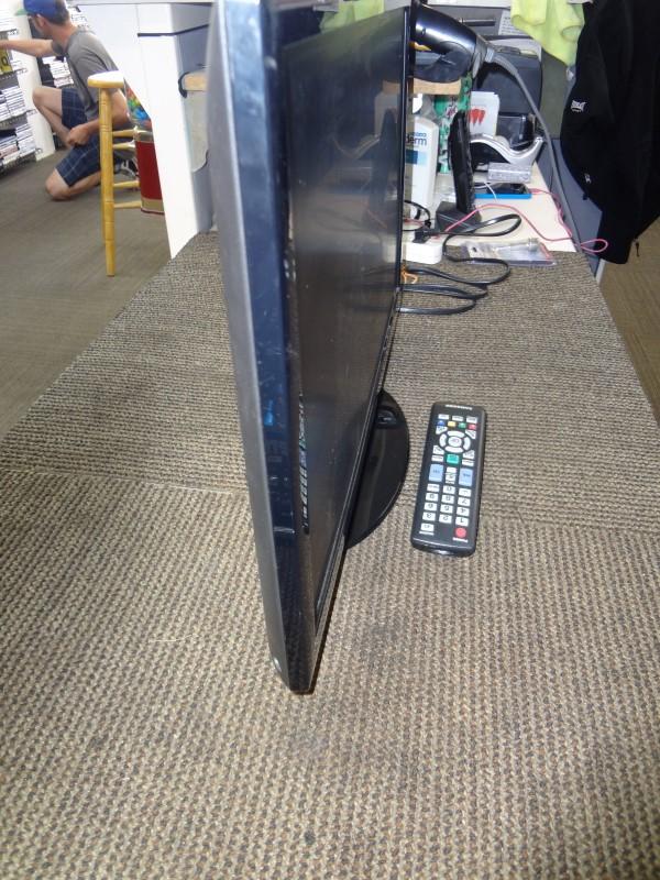 """SAMSUNG FLAT PANEL 22"""" TV UN22D5003B"""