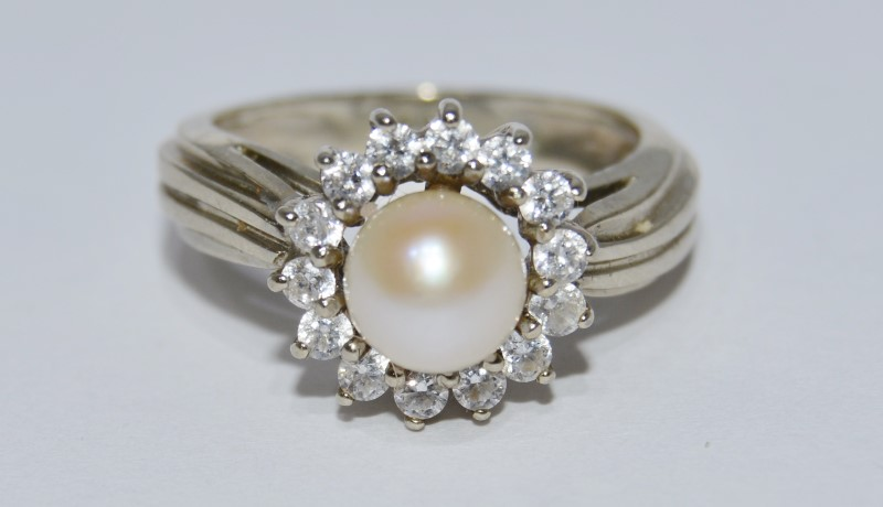 14K White Gold Cathedral Set Textured Shank Pearl & CZ Halo Style Ring sz 6