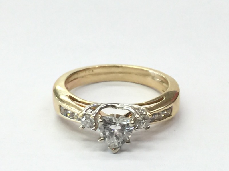 2.6DWT 14K-Y/G, 1-HEART CUT DIAMOND 0.53CTW, 2-ROUND BRILLIANT CUT DIAMOND 0.1CT