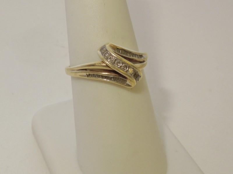 Lady's Diamond Fashion Ring 27 Diamonds .27 Carat T.W. 10K Yellow Gold 2.5g