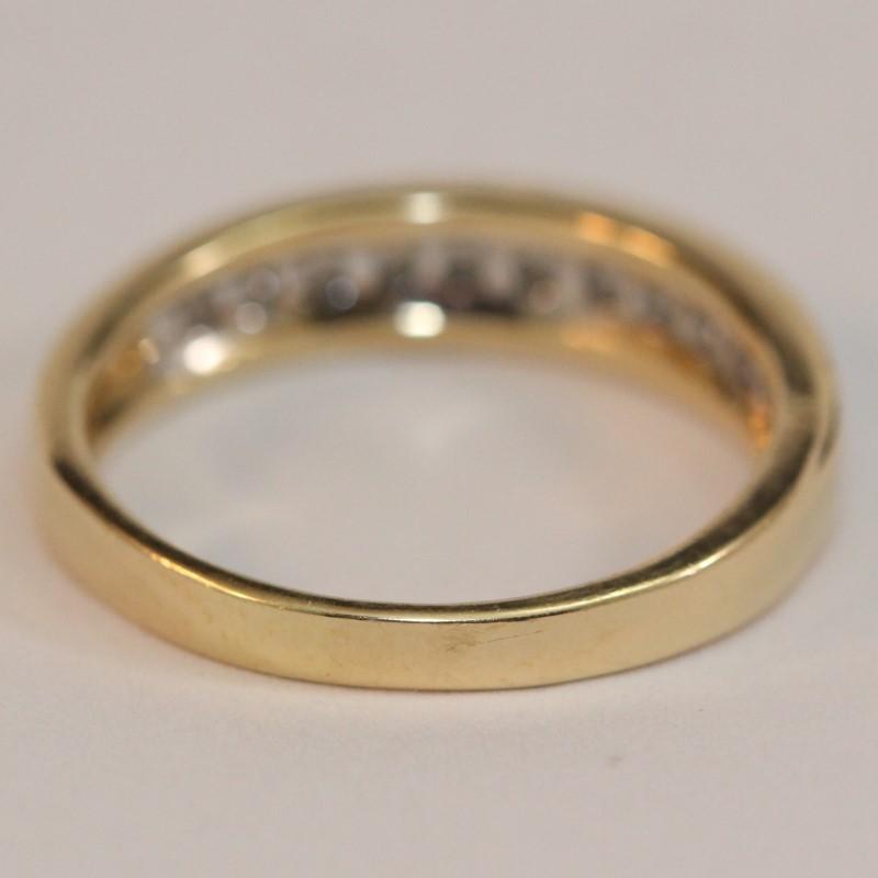 14K Yellow Gold 11-Round Brilliant Cut Diamond Wedding Band Size 8.75