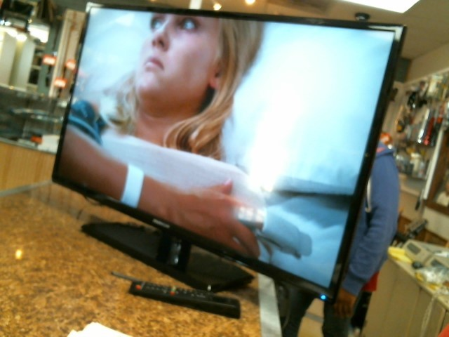 PROSCAN Flat Panel Television PLDED3996A