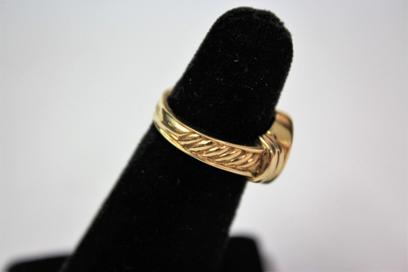 Lady's Gold Ring 14K Yellow Gold 10.2g Size:7