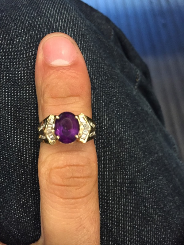Purple Stone Lady's Stone Ring 10K Yellow Gold 2.6dwt