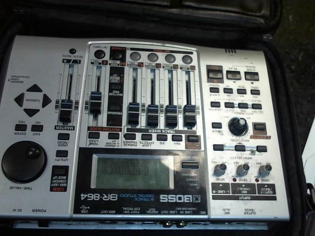 BOSS Multi-Track Recorder BR-864