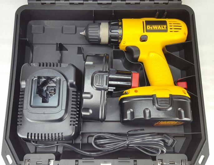 """DEWALT Cordless Drill 3/8"""" w/ Two-18V Batteries DW929K-2"""