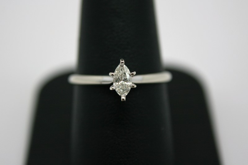 LADY'S MARQUISE CUT SOLITAIRE DIAMOND RING 14K WHITE GOLD