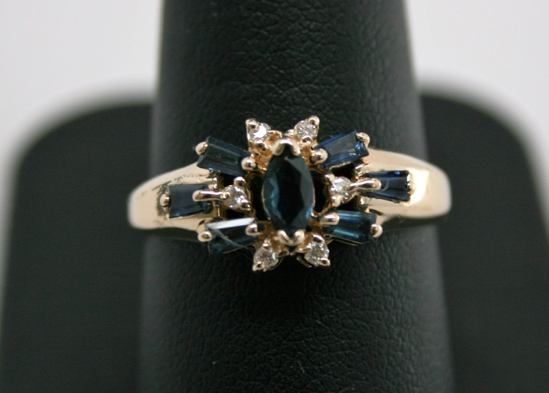 LADY'S FASHION SAPPHIRE & DIAMOND RING 10K YELLOW GOLD