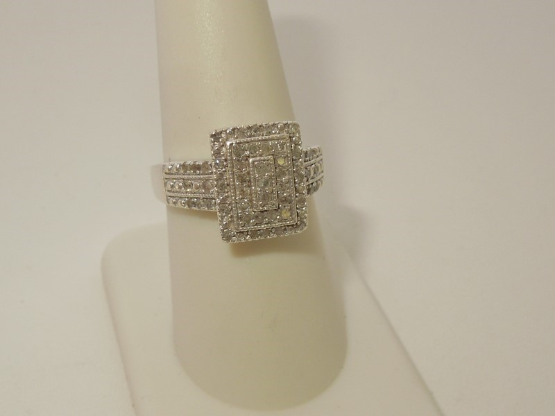Lady's Silver-Diamond Ring 51 Diamonds .153 Carat T.W. 925 Silver 4.4g Size:8