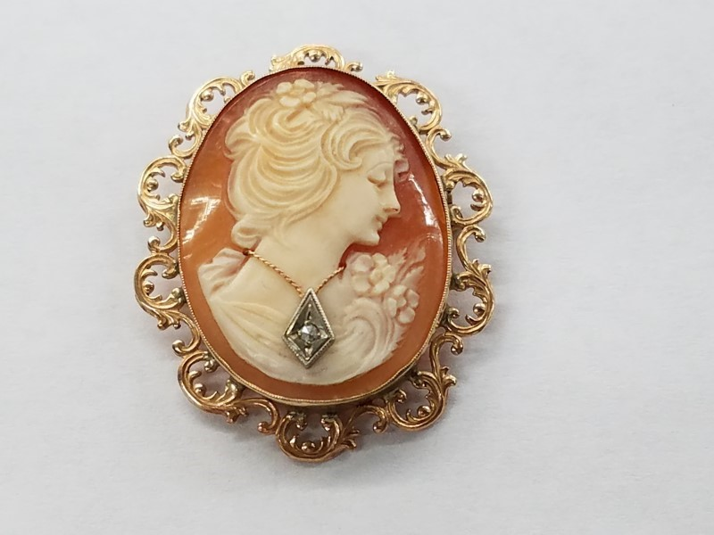 "VINTAGE ""CAMEO"" PENDANT W 14K PIN & CHAIN BAIL ""VERY NICE"""