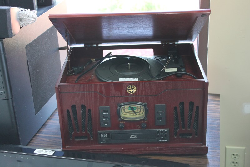Electro 33/45 Turntable AM/FM CD Player