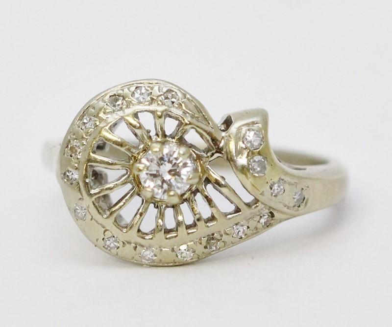 14K White Gold Vintage Inspired Floral Spoked Wheel Design Diamond Ring Size 7.5