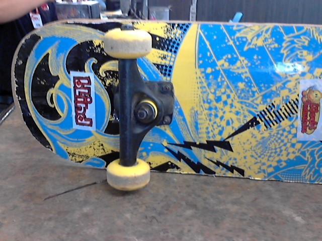 Skateboard SKATE BAORD