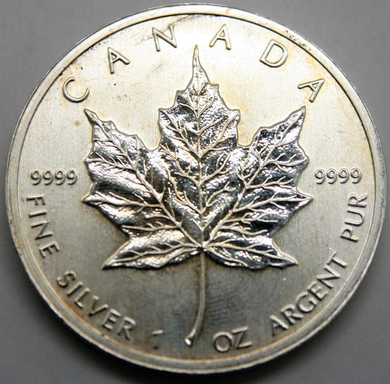 CANADA SILVER ELIZABETH II $5 DOLLARS 2011