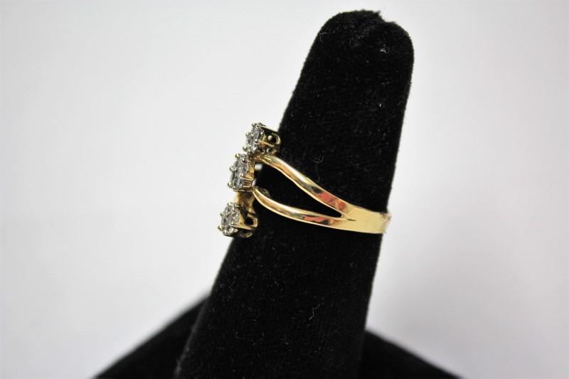 Lady's Diamond Cluster Ring 21 Diamonds .60 Carat T.W. 14K Yellow Gold 4g