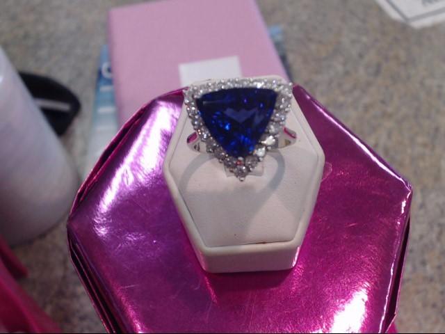 Tanzanite Lady's Stone & Diamond Ring 20 Diamonds 1.00 Carat T.W.