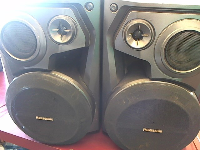PANASONIC BOOKSHELF SPEAKERS SB-AK300