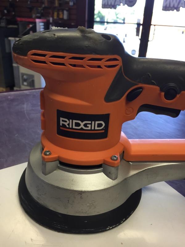 """Ridgid - Variable Speed 6"""" Dual Random Orbit Sander - R2611"""