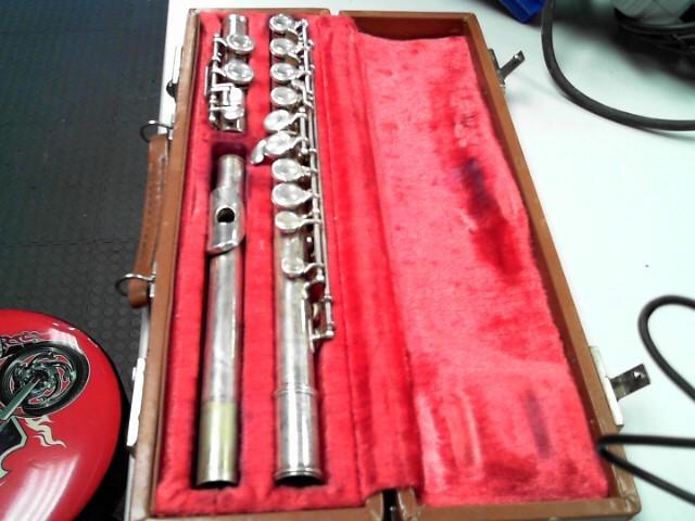 ARTLEY Flute 18-0