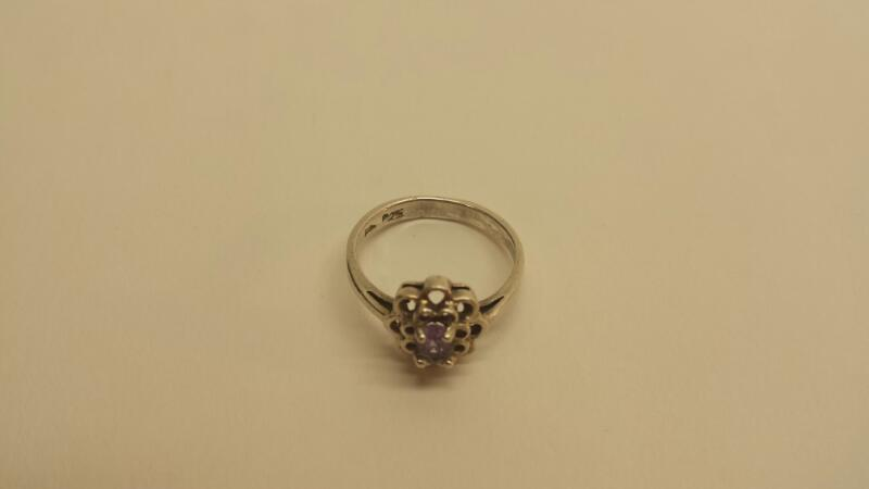 Purple Stone Lady's Silver & Stone Ring 925 Silver 1.1dwt Size:5