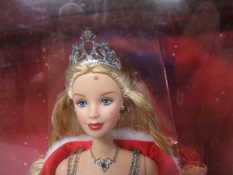 MATTEL 2001 SPECIAL EDITION HOLIDAY CELEBRATION BARBIE DOLL