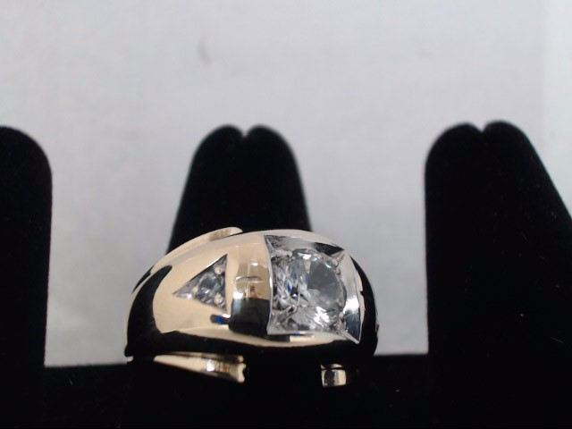 Gent's Diamond Solitaire Ring .10 CT. 10K Yellow Gold 8g