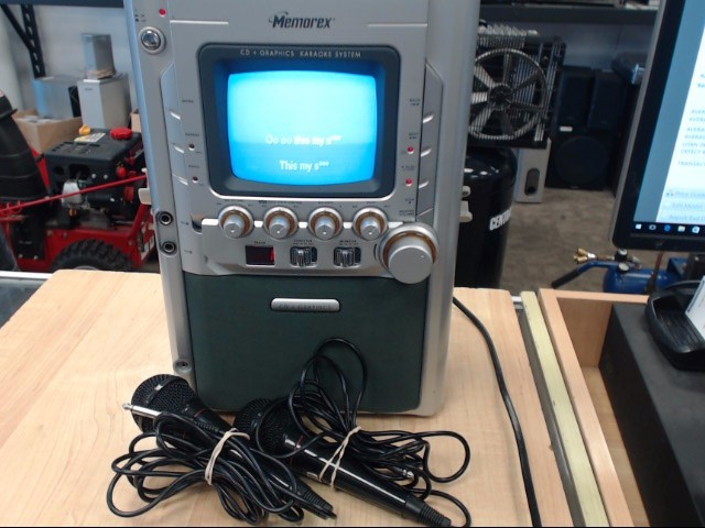 MEMOREX Karaoke Machine MKS5627