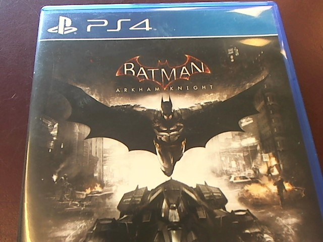PLAYSTATION 4 BATMAN ARKHAM KNIGHT