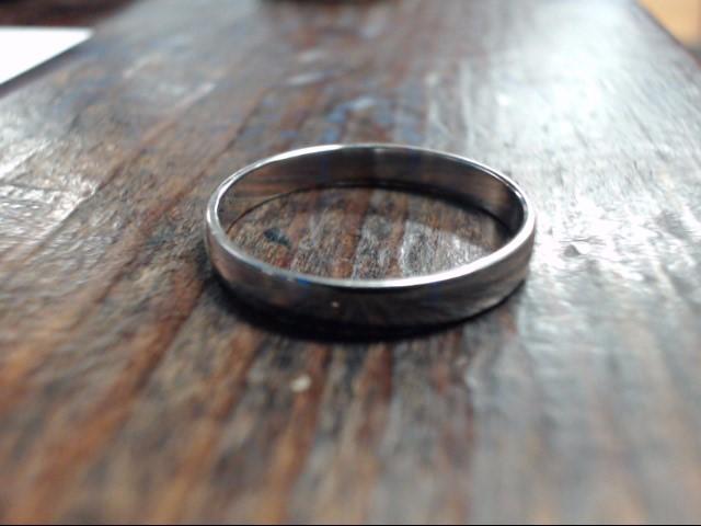 Lady's Gold Ring 10K White Gold 1.8g Size:9