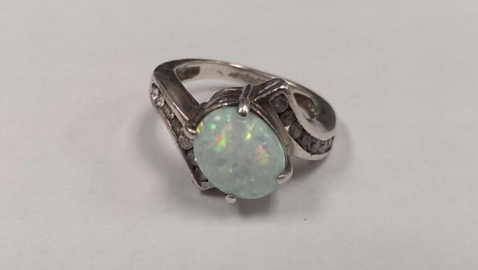Opal & White Stone Ring 925 Silver 4.8g Size:5.75