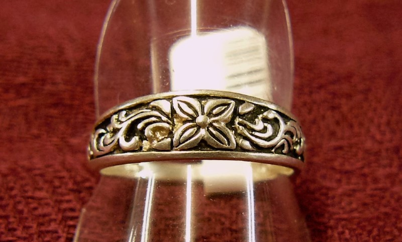 Lady's Silver Ring 925 Silver 1.39dwt Size:9