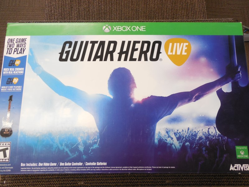 GUITAR HERO LIVE FOR XBOX ONE (COMES WITH ONE GUITAR, GAME AND BOX)