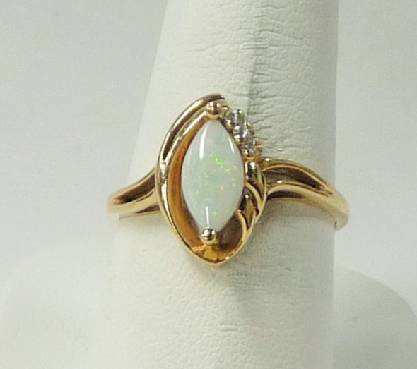 Synthetic Opal Lady's Stone Ring 10K Yellow Gold 1.81dwt