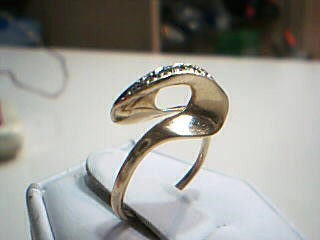 Lady's Diamond Cluster Ring 7 Diamonds .14 Carat T.W. 14K Yellow Gold 2.3g