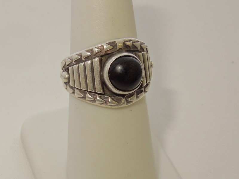 Synthetic Onyx Gent's Silver & Stone Ring 925 Silver 6.6g Size:7.5