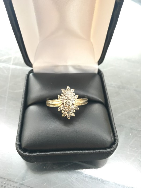 Lady's Diamond Cluster Ring 24 Diamonds .24 Carat T.W. 10K Yellow Gold 2.55dwt