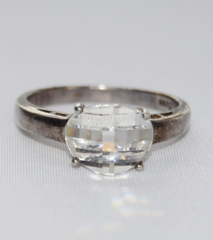 Sterling Silver Multi-Faceted Glass Solitaire Ring SIZE 8