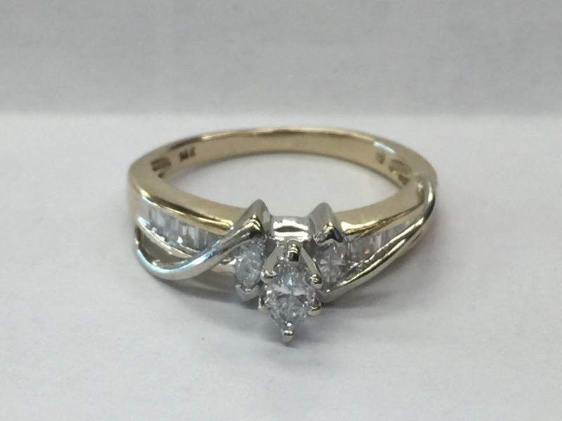 DIAMOND Lady's Diamond Engagement Ring .15CNT_12BG_3MAR_APX.50C