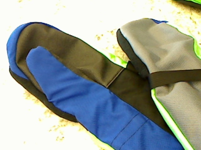 BAT WAVES SNOWBOARD GLOVES