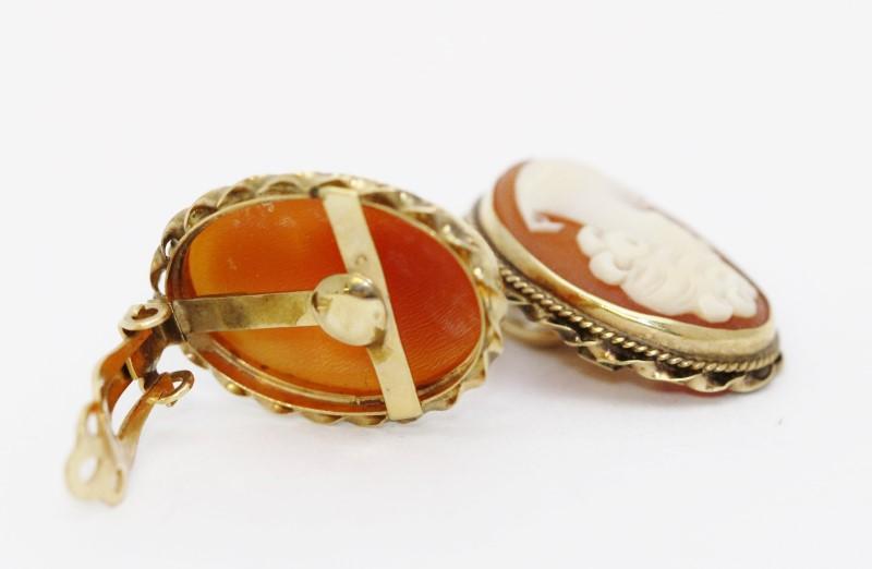 Antique Cameo Gold Earrings 14KYG 7.69g