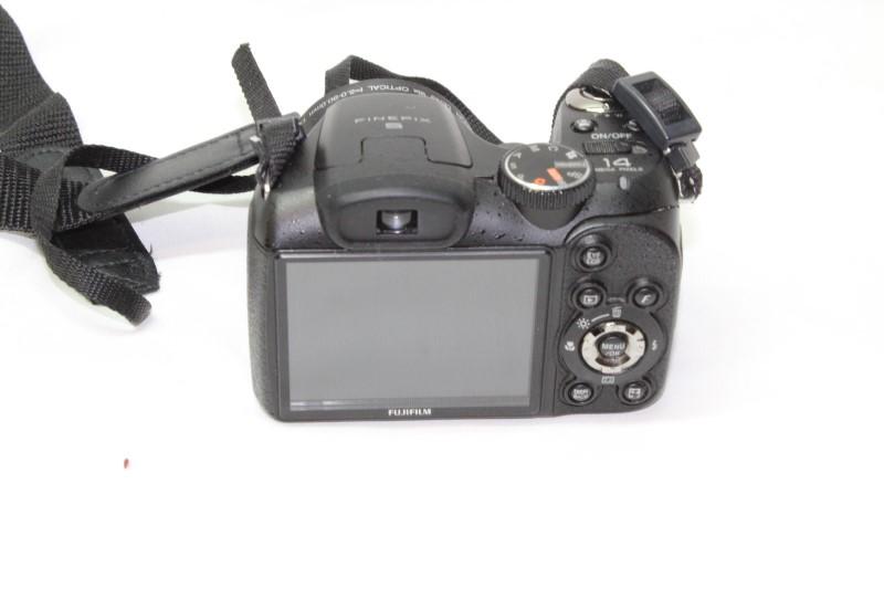 FUJIFILM Digital Camera FINEPIX S2940 WM