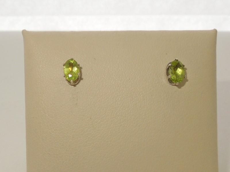 Synthetic Peridot Silver-Stone Earrings 925 Silver 0.7g