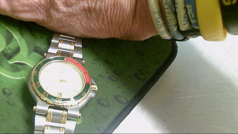 GUCCI Gent's Wristwatch 9700