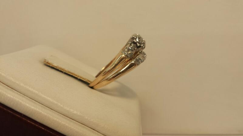 10k Yellow Gold Ring with 7 Diamonds at .12dwt - 2.1dwt - Size 6
