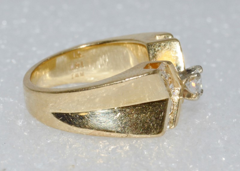 14K Yellow Gold Solid Backed X Shaped Diamond Engagement Ring sz 6.5