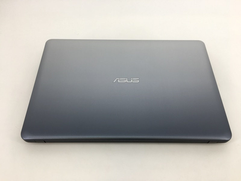 ASUS X540LA WIN 10, 1 TB HD, 4GB RAM, CORE i3 @ 2.20GHz