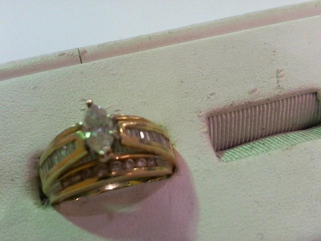 Lady's Diamond Wedding Set 35 Diamonds 1.70 Carat T.W. 14K White Gold 7.8g