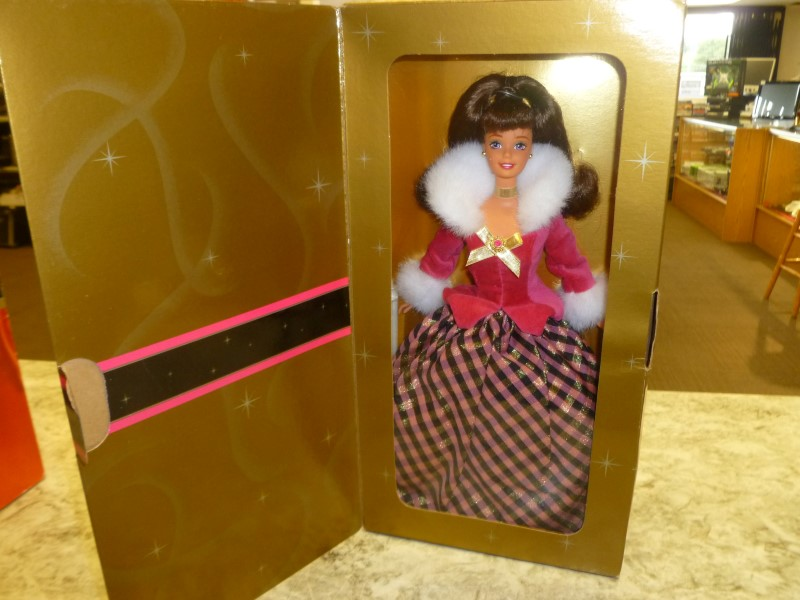 MATTEL BARBIE AVON SPECIAL EDITION WINTER RHAPSODY